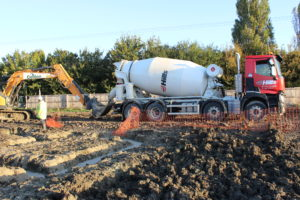 Ready mixed concrete from Hills' Upwood concrete plant